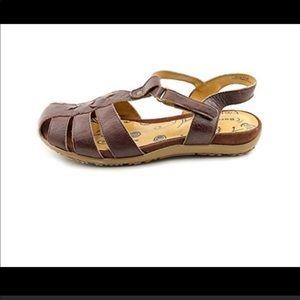 BareTraps genuine leather brown sandals size 8M